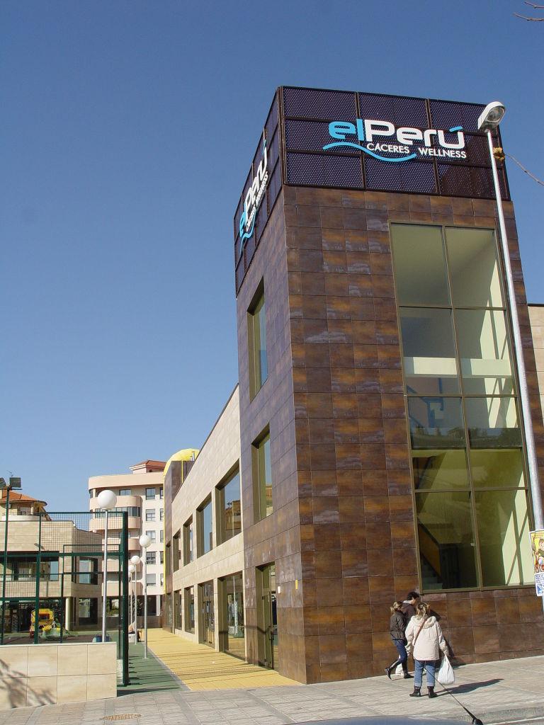 """Sport Centre """"El Perú"""""""